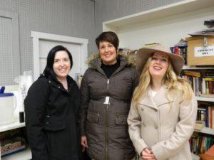 three women volunteers